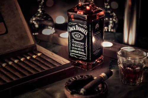 Джек Дениэлс – напиток ценителей качества и непревзойденного вкуса