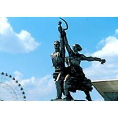 Московский Музей кино разместится в постаменте скульптуры `Рабочий и колхозница`