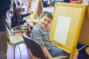 Детей с ДЦП навестили волонтеры фонда «Шаг вместе» и компании TOY.RU