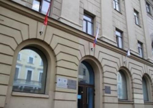 Бесплатную правовую приемную трудовых мигрантов посетили представители власти Петербурга.