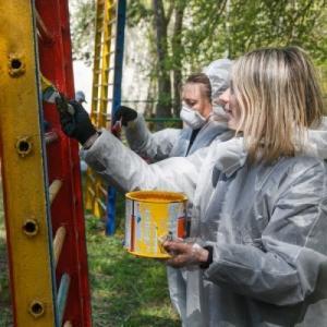 «Детский мир» провел субботники в детских домах России и Казахстана