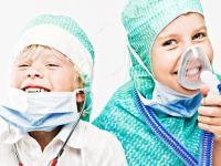 Детские стоматологи используют безопасный вид наркоза и седации для детей