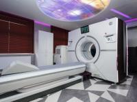 Первый в России компьютерный томограф Revolution CT, способный отсканировать сердце за одно сокращение, установлен в клинике ОАО «Медицина»