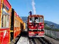 В Индии туристам предлагают королевское путешествие на поезде