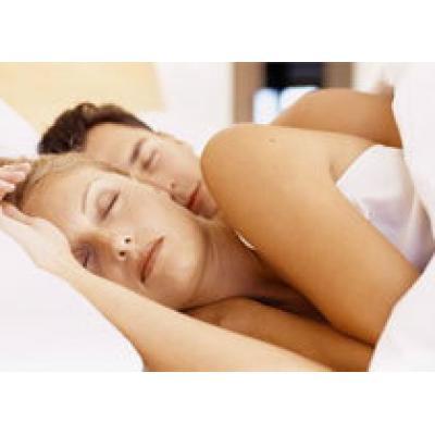 Супругам советуют спать раздельно