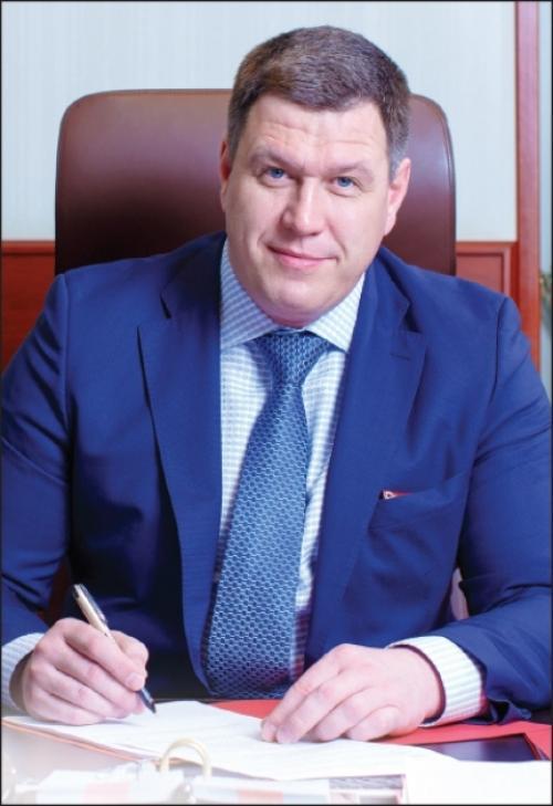 Валерий Леонов: За 2017 год подано более 5700 заявлений на получение услуг в электронном виде