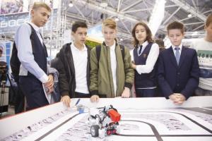 На форуме «Город образования» LEGO EDUCATION провела мастер-классы и представила новое робототехническое решение