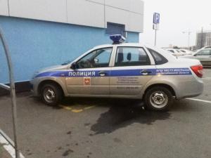 Машина силовиков на парковке для инвалидов у ТРК возмутила челябинцев