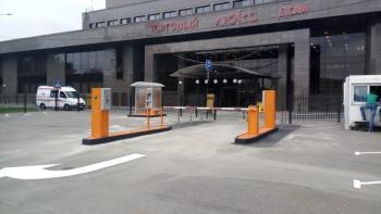 Парковка в ТД «Люкс»