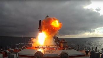 На Северном флоте в акватории Баренцева моря прошли успешные стрельбы комплексов «Бастион» и «Гранит»