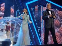Диана Ди спела дуэтом с Львом Лещенко на телефестивале «Песня года»