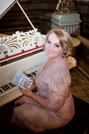 Вышла в свет первая книга Ольги Романив