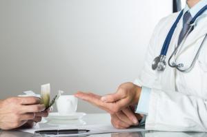 В работе врачей-наркологов необходимо навести порядок