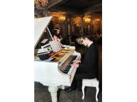 12 декабря 2017 года в ресторане Турандот состоялся благотворительный джазовый вечер «Рождественская джазово-энологическая феерия»