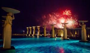 Празднование Нового года с Charli XCX