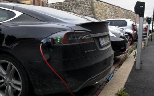 КРЭТ планирует запустить массовое производство электрозарядных станций для автомобилей