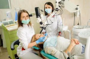 Вестибулопластика – одна из услуг клиники «32 Дент»