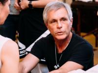 Известный мануальный терапевт Томас Майерс: «Русских людей отличает особая гордость в осанке!»