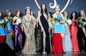 Москвичка Юлия Школенко была признана самой красивой замужней девушкой на Всероссийском конкурсе «Миссис Россия-Вселенная - 2018»