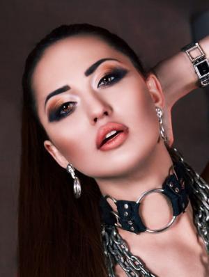 Роковая певица из Швейцарии Geneva покоряет Россию