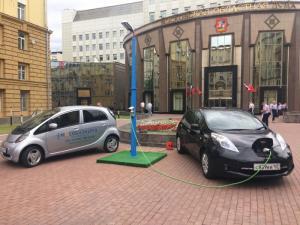 «Ростелеком» представил зарядку для электромобилей в Мособлдуме