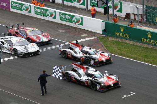 DENSO поздравляет команду TOYOTA GAZOO Racing с исторической победой в гонке «24 часа Ле-Мана» и гордится техническим партнерством с коллективом
