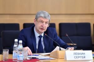 Сергей Лёвкин: Порядка 40% новых мест в детских садах и школах обеспечивают инвесторы