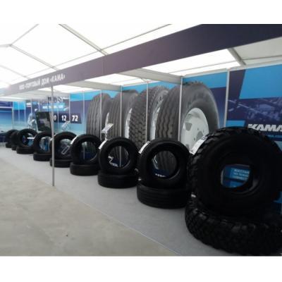 На выстовочной экспозиции KAMA TYRES были представлены грузовые и ЦМК шины КАМА