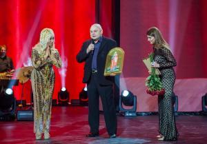 Таисия Повалий получила в подарок мерную икону