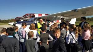 Активистами движения Патриоты Великого Отечества в г. Калуге был организован выезд ребят из Панского интерната на аэродром малой авиации «Кудиново»