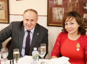 Участница большой пресс-конференции Владимира Путина Ирина Ясакова награждена медалью МЧС «За пропаганду спасательного дела»
