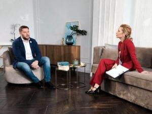 Ксения Эммарк приглашает экспертов на YouTube-канал для помощи женщинам