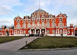 Петровский путевой дворец в Москве открыт после реставрации