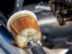 Замена топливного фильтра в автомобиле