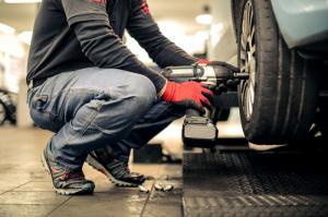 Спрос на автоуслуги в апреле растет в среднем на 285% по сравнению с годовым спросом