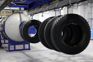 Эксплуатировавшие восстановленные шины KAMARETREAD водители отметили высокую курсовую устойчивость