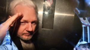 Суд назначил слушания по экстрадиции Ассанжа в США на 30 мая