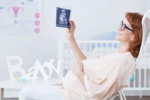 Женское репродуктивное здоровье: как забеременеть после 35