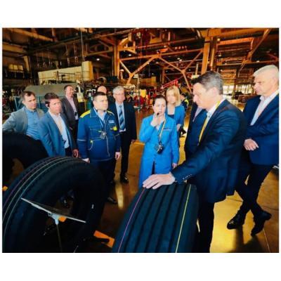 Членам делегации Circle K рассказали о нюансах производства ЦМК шин на предприятии KAMA TYRES
