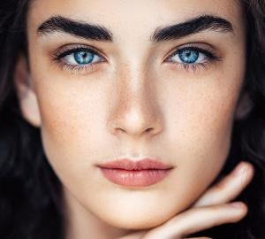 Женщинам больше не нужно красить брови. Придумали альтернативу татуажу