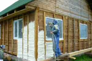 Утепление деревянного дома ППУ