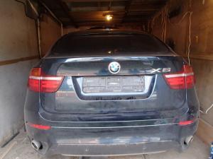 Угнанный в Стрельне в третий раз BMW X6 вновь нашли в Ленобласти