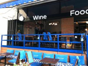 Мгновенное превращение зала ресторана в веранду и обратно от Al Solution