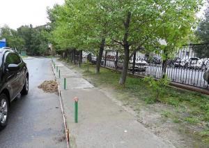 Жители Нижневартовска просят благоустроить дворы, заделать ямы, проложить дорожки