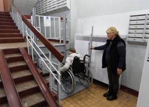 Депутаты Нижневартовска помогли решить проблему инвалида-колясочника