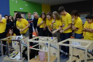 В Челябинске прошел турнир по созданию машин Голдберга