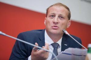 На Путина Казинец «не кричал», но сорвался на подчиненных – все из-за долгов и проблем с ЖК «Баркли Медовая долина»