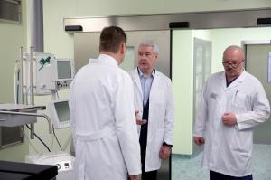 Главврач онкобольницы №1 продемонстрировал Сергею Собянину возможности клиники
