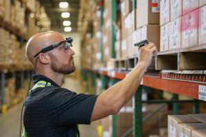 Модернизация складов розничной торговли для соответствия растущим ожиданиям в условиях экономики по требованию