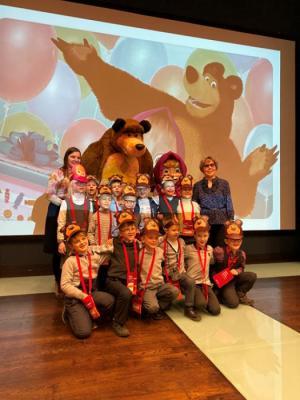 Детский телеканал TiJi покажет мультсериал «Маша и Медведь» с тифлокомментарием